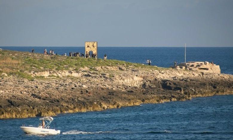 Photo of Lampedusa, hotspot al collasso con oltre 1200 persone