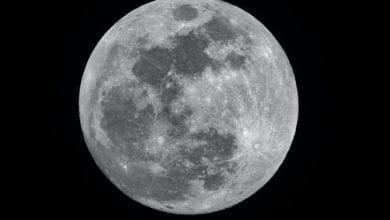Photo of Sulla Luna c'è acqua, la scoperta
