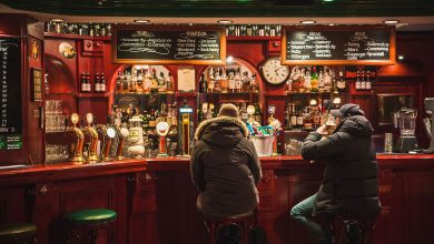 Photo of Uk, troppa gente nei pub dopo il lockdown e la birra scarseggia